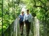 Ladys auf der Hängebrücke