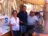 Mario kocht, seine Frau Sara bedient und in der Mitte unser Reiseleiter Vladimir