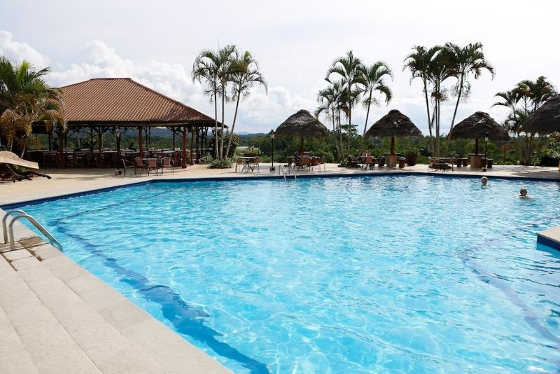 Ankunft im Hotel - und gleich in den Pool !